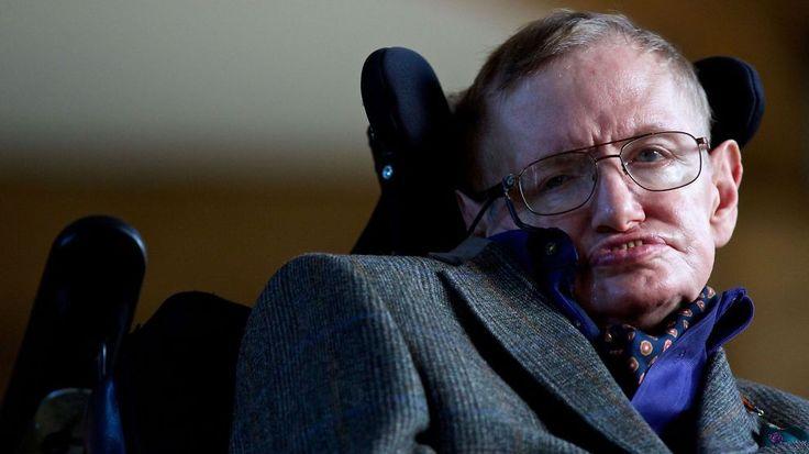<b>ADVARER:</b> Den britiske fysikeren og matematikeren Stephen Hawking er en av ekspertene som advarer mot kunstig intelligens.