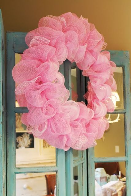 Miss Kopy Kat: How To Make A Deco Mesh Ruffle Wreath