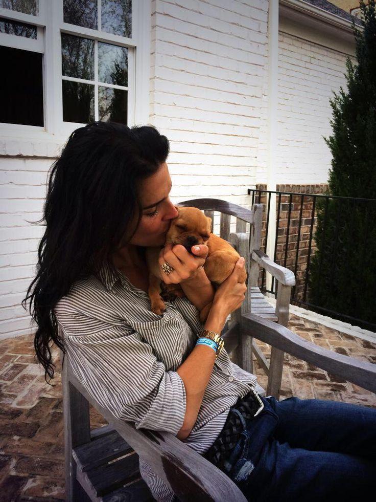 @Angie_Harmon @MissDaisyHarmon is one lucky dog