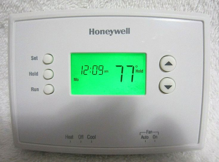 Honeywell RTH2300 Series 52 Day Programmable Thermostat
