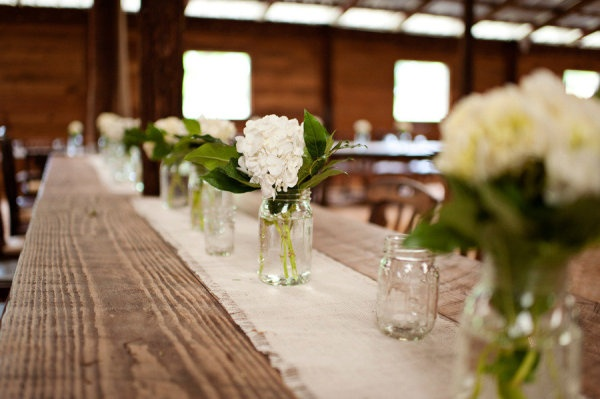 Simple, sweet rustic charm. Photography by avery-photography.com