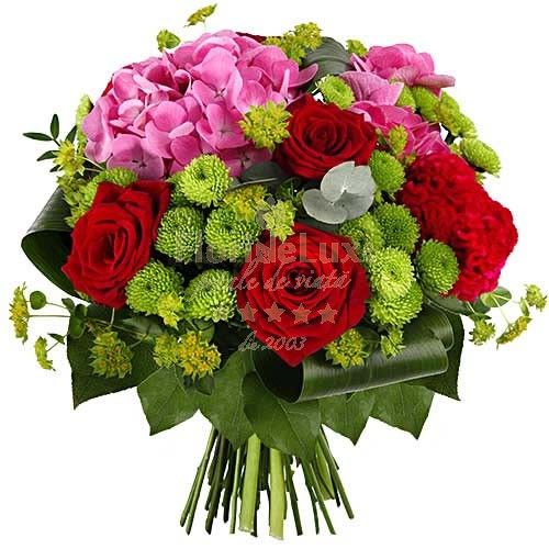 Red roses and hydrangea, special colors, red, pink and special green for a special gift!