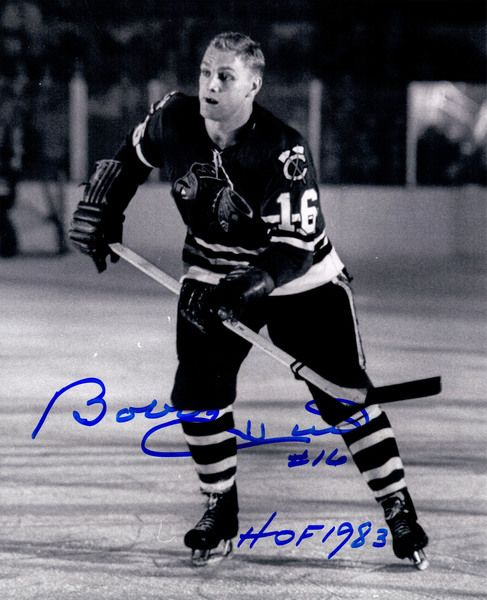 Bobby Hull Signed Chicago Blackhawks B&W 8x10 Photo w/HOF 1983