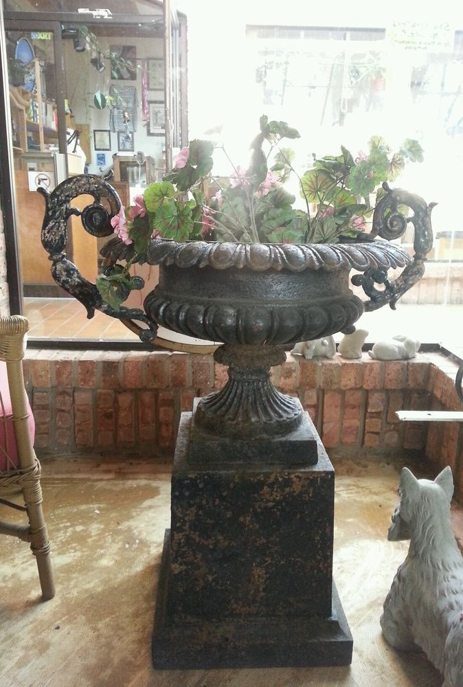 Antique Victorian Cast Iron Garden Urn Planter Lg Fancy Handles