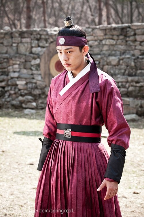 "Yoo Ah In. Jang Ok Jung, Live in Love- I loved when he wore his ""workout"" clothes lol"