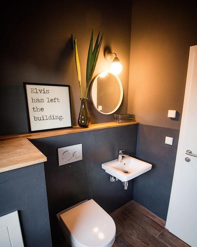 Weil es so viele Nachfragen gab, hier nochmal ein Foto aus unserem WC inkl. Boden. Extra das Weitwinkel aus der Kiste rausgeholt Ist noch nicht ganz fertig, aber WC ist benutzbar #nagottseidank #wc #interior #anthrazit #grau #holz #lebenimeigenheim #hausbau2016 #bauherren2016 #einrichten #elvishasleftthebuilding