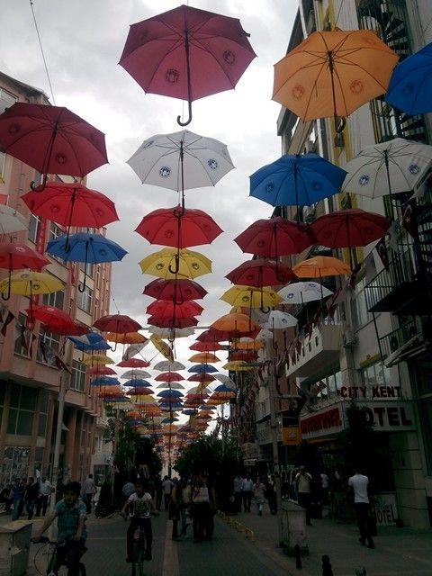 Rengarenk :)) Malatya şemsiye sokak :))