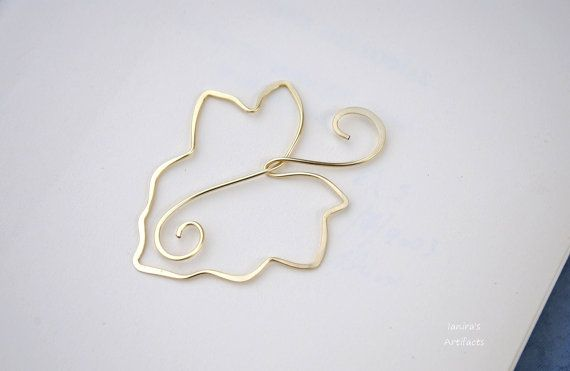Vine leaf gold colored wire bookmark by Ianira on Etsy