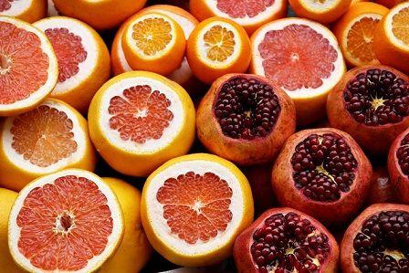 Cibi invernali con poche calorie, economici e salutari. Alcuni tipi di verdura e di frutta, se consumati in inverno, costano meno e fanno bene alla salute.