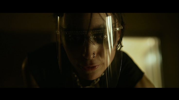 Lisbeth salander gets her revenge in david fincher 39 s girl for Cast of girl with the dragon tattoo