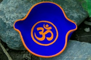 om colored little plate - hand painted clay pots