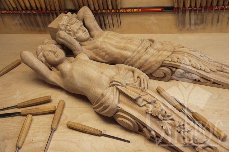 Резные кронштейны из массива дерева Кариатида и Атлант. #дизайн #декор Carved brackets made of solid wood Caryatid and Atlas. #decor #design #art