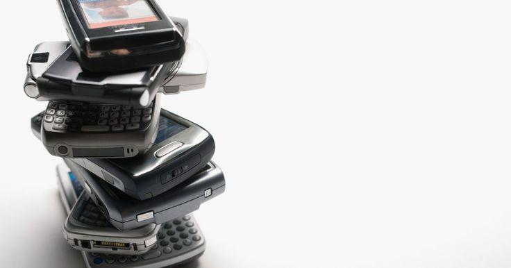 Cómo convertir un Android en un disco portátil. Los dispositivos Android utilizan un tipo de memoria flash para su almacenamiento interno. Algunos utilizan la memoria flash interna de forma exclusiva, mientras que otros permiten almacenar información en dispositivos desmontables, tales como tarjetas flash microSD. Puedes convertir tu dispositivo Android en un disco portátil conectándolo a una ...