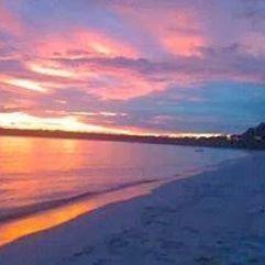 Pantai Ngur Mun Vatwahan Ohoidertutu  Berjarak 60 Km dari Langgur Ibu Kota Kabupaten Maluku Tenggara dan 47 km kearah selatan Pulau Kei Kecil tepatnya di Desa Ohoidertutu yang bersebelahan ujung pantai dengan Desa Matwair terdapat pantai yang indah berpasir putih dengan udara yang segar dan nyiur melambai disepanjang pantai indah ini . Pasir pantai yang melengkung sepanjang 3 km ini diterpah gelombang besar ketika musim barat yang dapat digunakan untuk menikmati olah raga air serta…