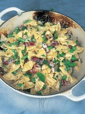 This is a twist on the classic Carbonara, using spring peas and smoky bacon. Love it.