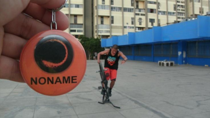 Noname presente en la entrevista de PeruFlat a Camilo Gutierrez rider profesional del BMX Flatland quien actualmente representa al Perú en toda Europa. Nos regalo una tarde alegre que demuestra la humildad y la calidad de persona digna de ejemplo para muchos riders. — en Residencial San Felipe, El Bingo!