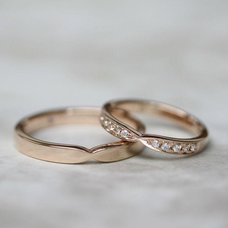 優しくシェイプされたリボンの形の結婚指輪 [marriage,wedding,r…
