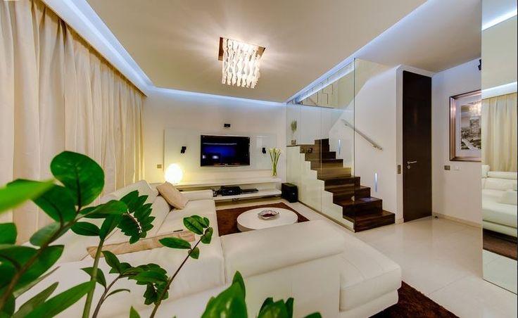Элитная квартира 3+КК, Прага 8, цена 758 800 евро http://portal-eu.ru/kvartiry/elitnoe-jile/realty111 Продается элитная квартира 3+КК, 142 кв.м., Прага 8 – Karlín, цена 758 800 евро Продажа роскошной двухуровневой квартиры планировки 3+КК, площадью 142 кв.м., с террасой 7,2 кв.м., расположенной в привлекательном районе Прага 8 – Карлин, по улице Rohanské nábřeží. Квартира расположена на 3 и 4 этажах, нового жилого комплекса River Diamond с рецепцией и охраной. На первом этаже квартиры…