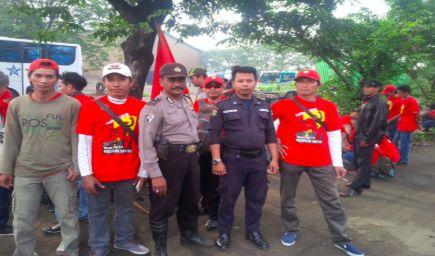 KEBERANGKATAN MASSA BURUH FSUI KBN CAKUNG CILINCING JAKUT | Polres Metro Jakarta Utara