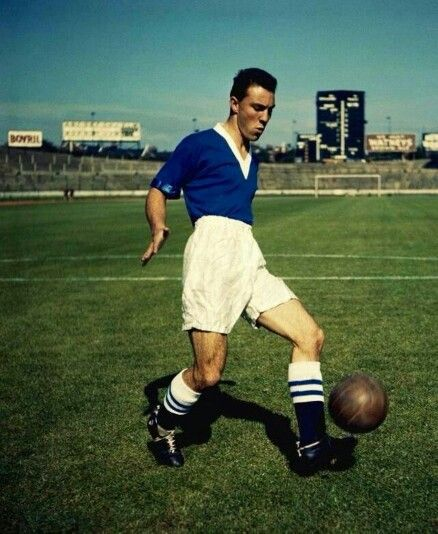 The player Jimmy Graves to Chelsea Football Club in Stamford Bridge.