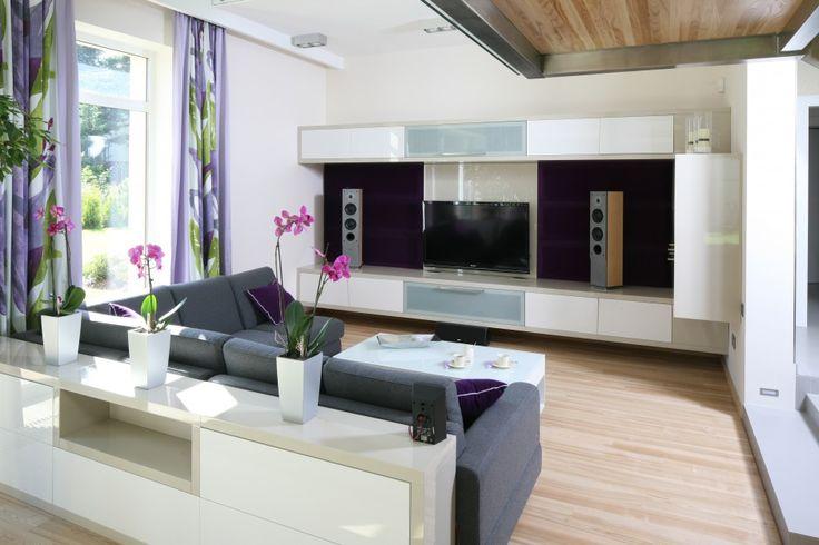 13 pomysłów na telewizor w salonie: modne panele  - zdjęcie numer 11