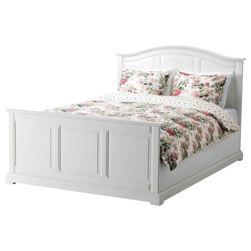 Los laterales de la cama son ajustables para poder usar colchones de diferentes grosores