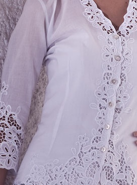 In love with this richly embroidered Indonesian #kebaya . Look at the gorgeous #lace !