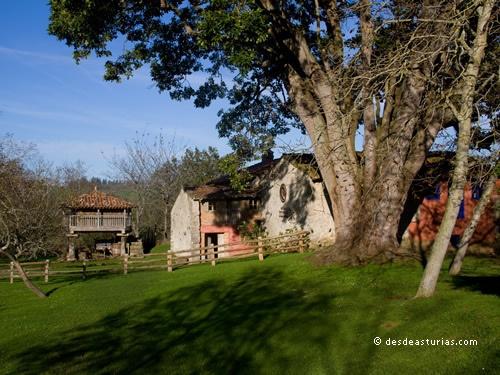 Museo Etnográfico de Porrúa, Llanes. Museos Etnográficos de Asturias [Más info] http://www.desdeasturias.com/museo-etnografico-de-porrua-museos-asturias/