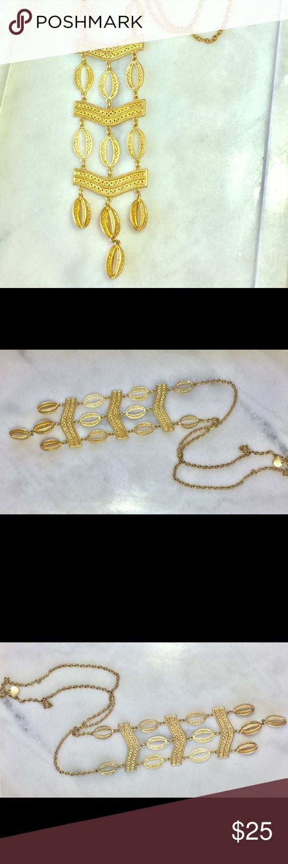 """Stella & Dot Vertical Bib Gold Oval Necklace Stunning!! Chain is 26"""" long. Bib is 6"""" long. Stella & Dot Jewelry Necklaces"""