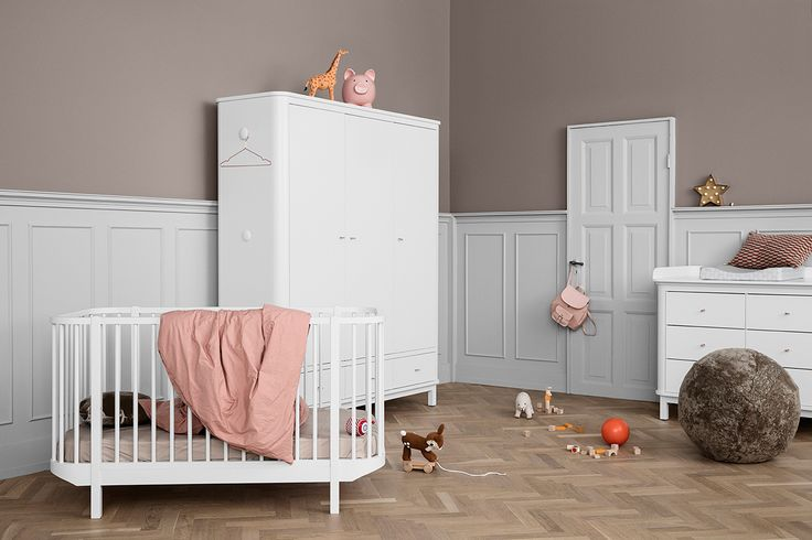 Wood Collection wardrobe w. 3 doors, Cot bed and nursery by Oliver Furniture.