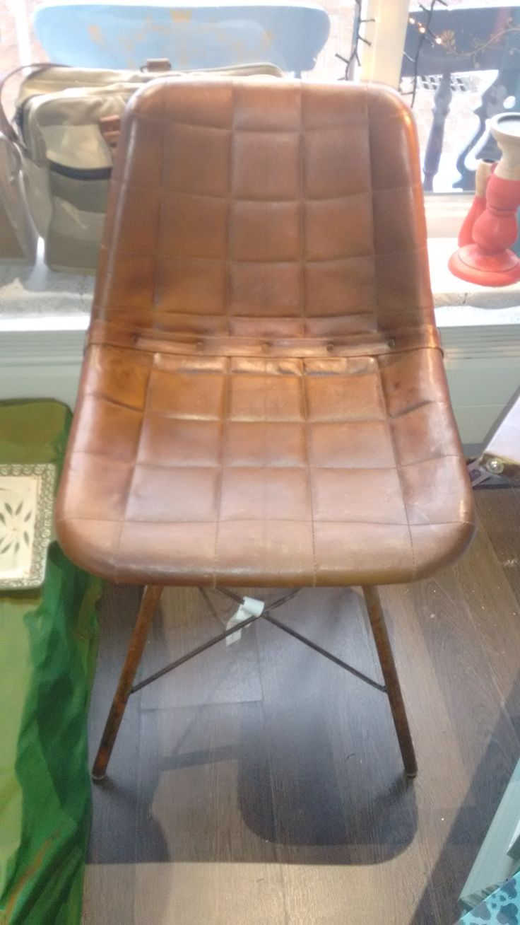 Leather chairs (leren eatkamerstoelen) available for sale @ Dress it up Hilversum