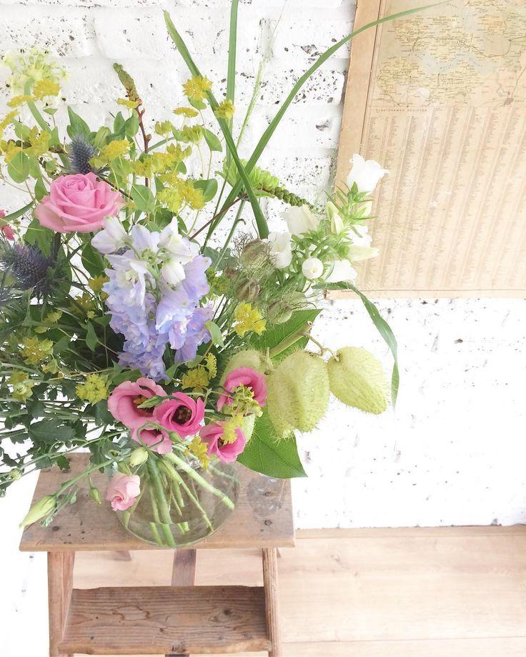 Best boyfriend 💕🌸🌿 #bloemen #flowers #mooiwatbloemendoen #boeket #veldboeket…