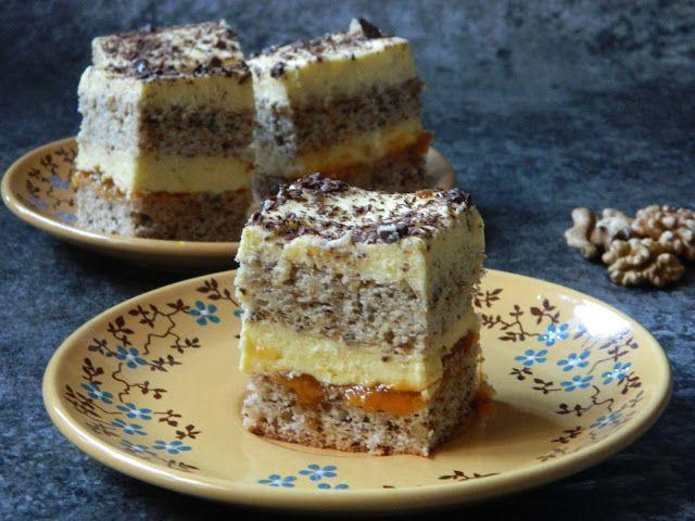 Reteta culinara Prajitura din albusuri cu gem de caise si crema de vanilie din categoria Prajituri. Cum sa faci Prajitura din albusuri cu gem de caise si crema de vanilie