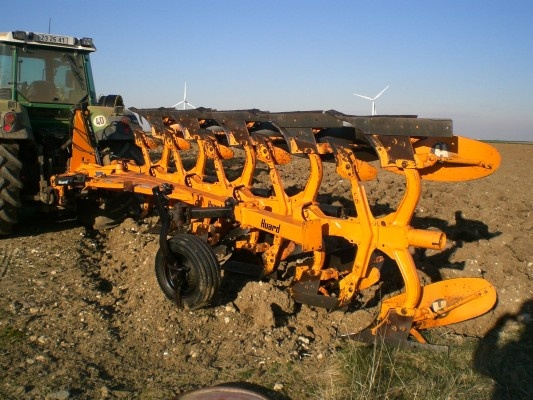 A nice picture of a plough fro you this day ! http://www.agriaffaires.co.uk/used/1/plough.html