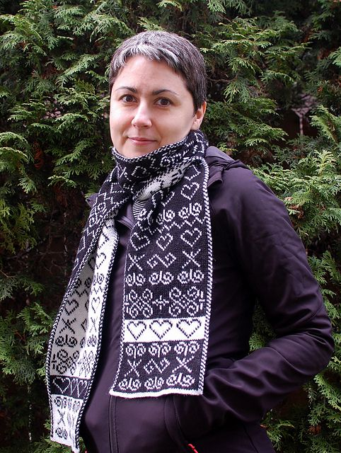 Free Pattern: Slovakian Folk Motif Scarf by Olga Hasty