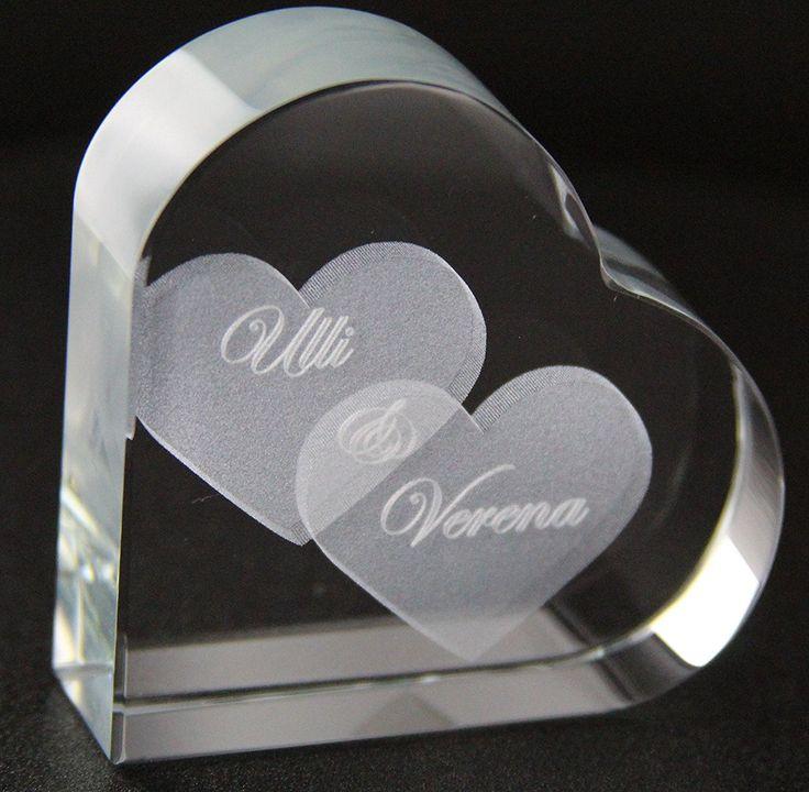 VIP-LASER GlasHERZ L mit zwei großen Herzen und Deinen Namen graviert.