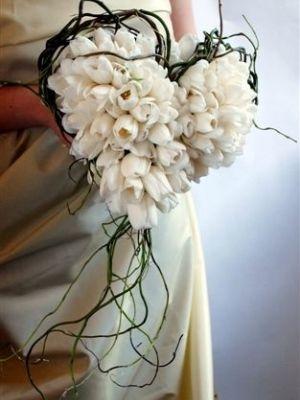 свадебные цветы -тюльпаны и гортензии