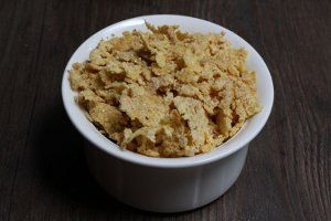 2-Ingredient Homemade Corn Flakes | AllFreeCopycatRecipes.com