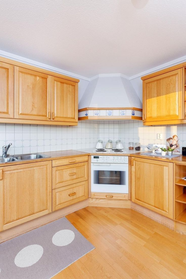 FINN – Nyoppusset kjøkkeninnredning heltre med hvitevarer
