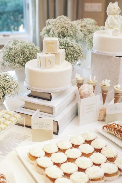 9 Gender Neutral Themes for a Baby Shower, #2: White Elegance Theme. Classy. #baby #babyshower