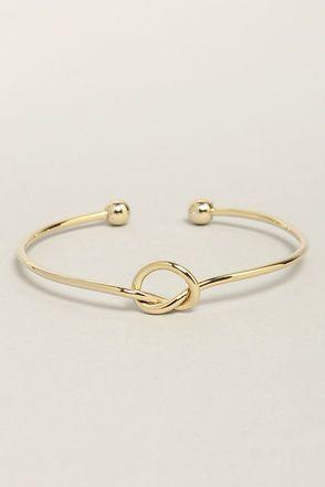 tie the knot bracelet http://bijouxcreateurenligne.fr/product-category/bracelet-fantaisie/