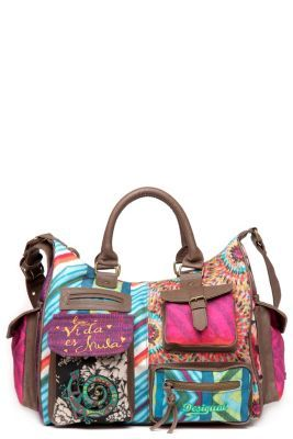 Bolso de mujer Desigual modelo Bruselas de la línea 100% Desigual. Bolso muy colorido y funcional, con muchos bolsillos y compartimentos para guardar todo lo que necesites. La vida es chula!