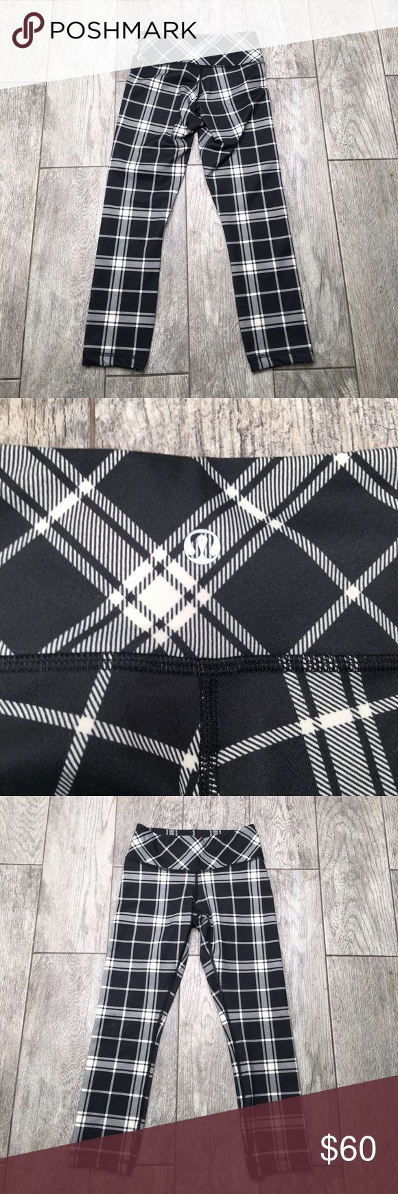 Lululemon Wunder Under pants Leggings plaid 2 Lululemon wunder under plaid black and white pants. Size 2. EUC with no signs of wear. Such a cute pair of leggings lululemon athletica Pants Leggings