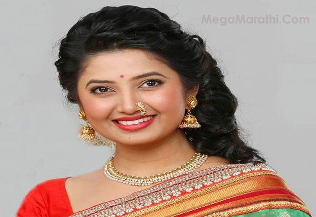 Prajakta Mali Marathi Actress Hd Photos Wallpapers Meghana Marriage Prajkta Mali Husband Name Prjkta Mali W Beauty Girl Indian Natural Beauty Beauty Face
