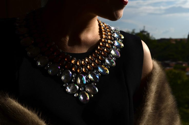 As simple as Chanel. DIY necklace