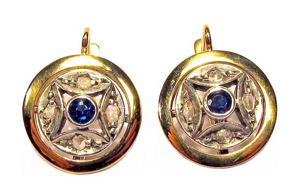 Orecchini STELLA oro giallo e argento / Eleganti orecchini d'epoca, manifattura artigianale primi anni '900, in oro giallo 750/1000 e argento 800/1000 con incastonati 1 zaffiro blu e 4 diamantini per parte, chiusura a monachella.