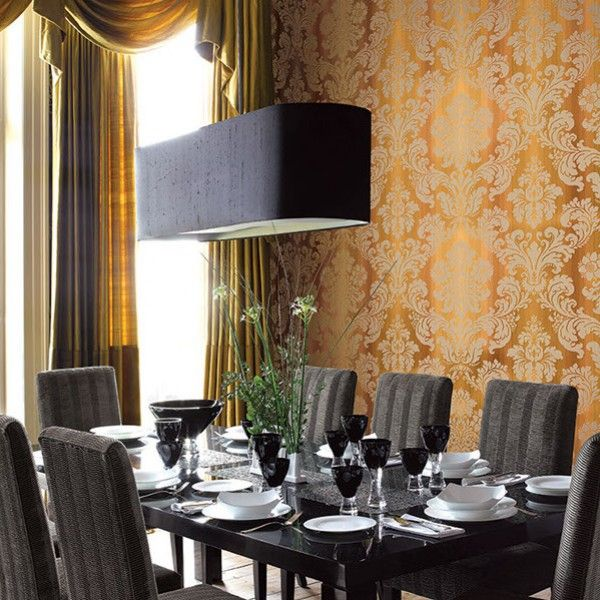 Elegancka #jadalnia z tapetą w kolorze miedzi #copperwallpaper