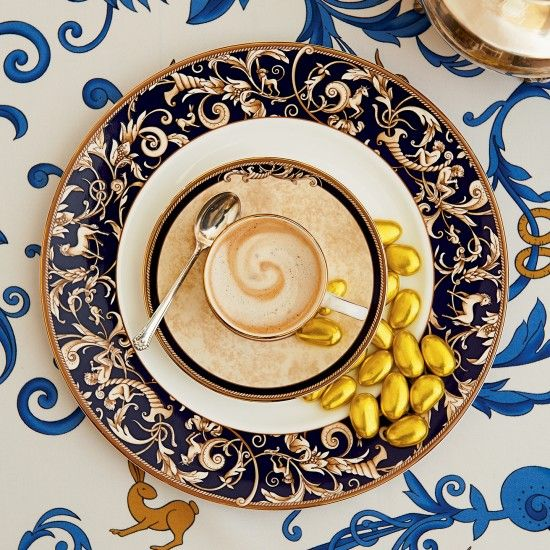Wedgwood Cornucopia Plate Accent 27cm | Wedgwood UK Official Site