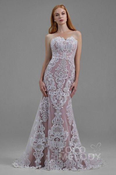 Schones Hochzeitskleid Im Meerjungfrau Stil Mit Hofschleppe Und