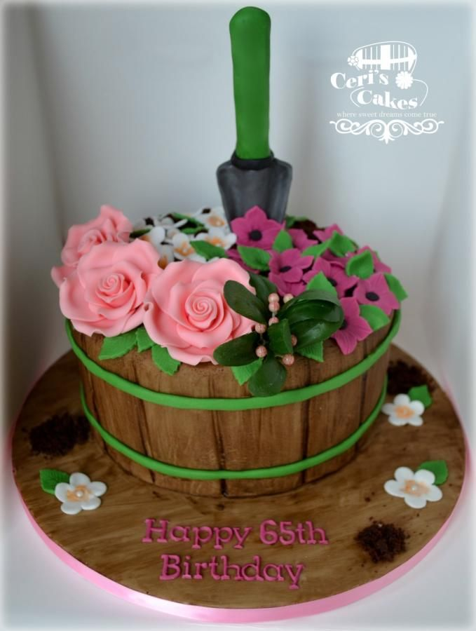 Gardening cake by Ceri's Cakes